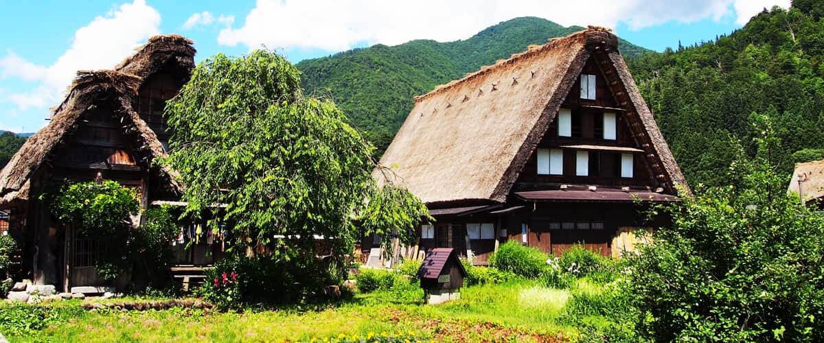 World Heritage Trip to visit the historical village of Gokayama Suganuma and Shirakawa-go